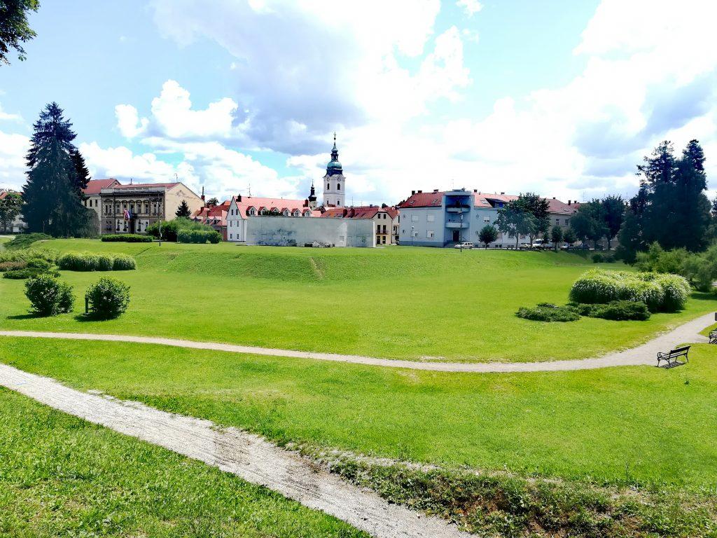 croatia, travel, tourism, karlovac, dubovac, theater, korana, kupa, river