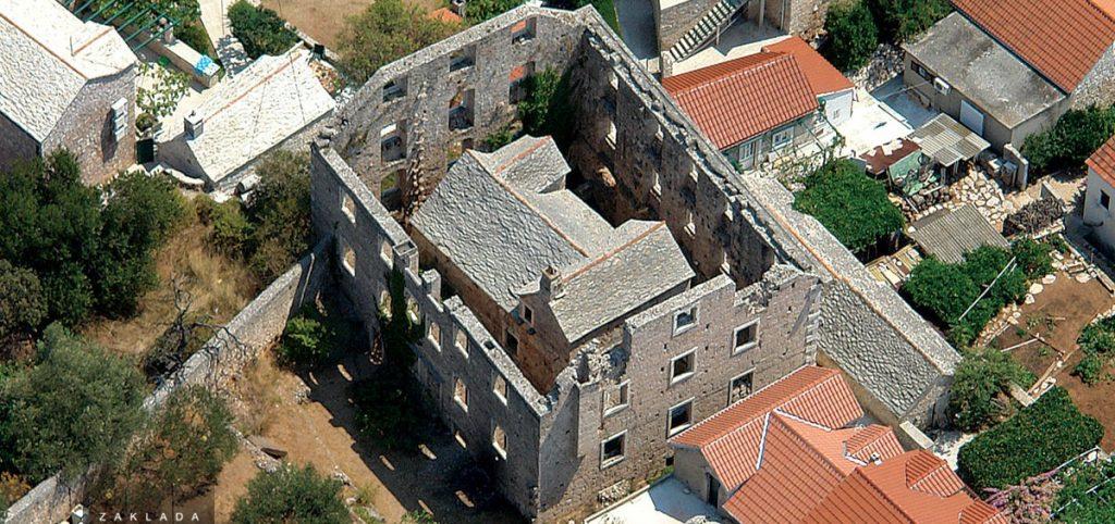 croatia, travel, discover, tourism, adriatic, bol, brač, house